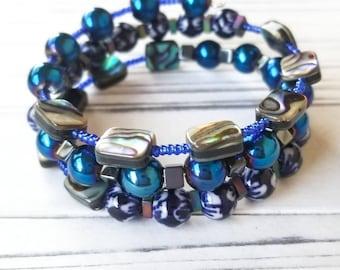 Blue beaded Bracelet, Blue Bracelet, Beaded Wrap Bracelet, Cuff Bracelet, Fashion Jewelry, Fashion Bracelet, Blue Iridescent Beads,