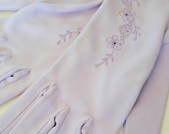 Vintage 1960s Lilac Purple Floral Embroidered Gloves