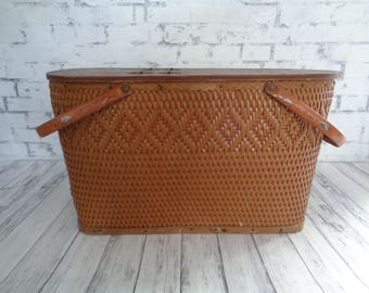 Vintage Picnic Basket, Redmon Peru Indiana Picnic Basket, 1950's, Great Condition Super Cute, Wood Bottom, Both Ends Open, Farmhouse Style