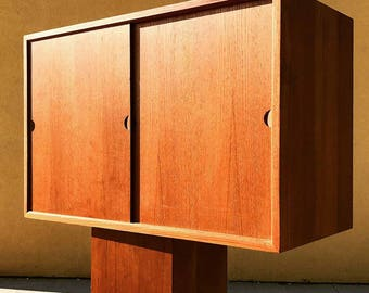 Mid Century Floating Cabinet For Royal System Shelving Wall Unit By Poul  Cadovius