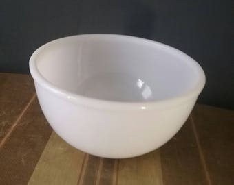 Fire King Mixing Bowl Vintage White Mixing Bowl  5 Inches Tall Medium Mixing Bowl Anchor Hocking