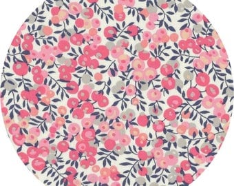 Fabric Liberty Wiltshire sweet pea scent or cotton candy