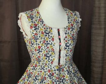 70's Country Girl Corduroy Floral Dress Ruffled Front Lots of Skirt Material