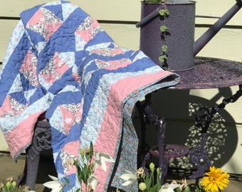 Vintage Quilt, Hour Glass block quilt, Floral Quilt, Lap Quilt, Baby quilt, Shabby Chic decor, Throw Blanket, Gift