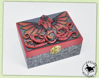 Red and black Cthulhu dice box