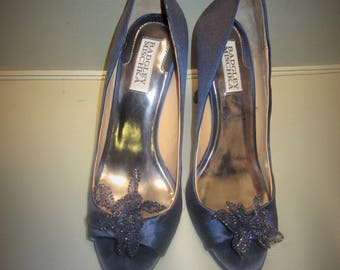 badgley mischka navy blue 8.5 flower heels