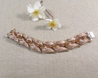 Beautiful Vintage Gold Tone Thick And Chunky Leaf Beaded Bracelet  DL# 4468