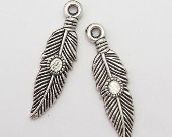 2 charms feather decorate silver-plated 30x8mm