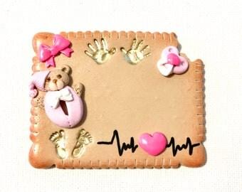 Badge pour Infirmière, Aide Soignante, etc...   sur fond biscuit