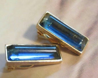 Vintage Jomaz 1979 Designer Joseph  Mazer Earrings clip on Faux Blue bar Sapphire Long Glass Gold Tone Clip On Jewellery statement Runway