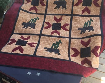 Bear in the Woods Quilt