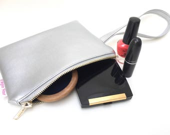 Silver Faux Leather, Wristlet, clutch bag, leather effect, metallic evening bag, silver metallic party bag