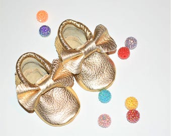 Gold Bow Moccasins, Bow Moccasins, Gold Baby Moccasins, Gold Bow Baby shoes