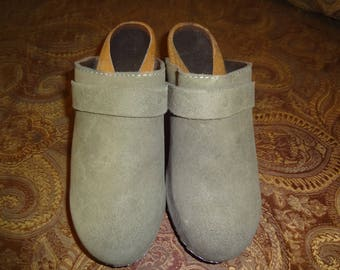 Olive Green Leather Sanita Clogs 37/7M