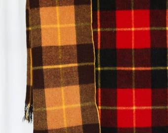 Reversible plaid vintage Argentinian wool blanket w fringe - red/black plaid one side beige/black plaid other side - bon voyage de Piccaluga