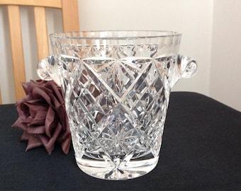 Lovely English cut glass ice bucket . Cut crystal glass.
