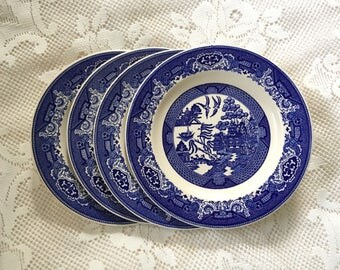 Blue Willow Dinner Plates, Willow Ware Dinner Plates, 1940s Royal China Plates, Blue Willow Dishes, Blue And White Dinner Plates, Underglaze
