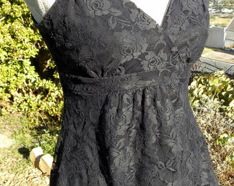 Gorgeous stretch black  lace top, vintage, size uk 12 usa10, gothic, steampunk, victorian