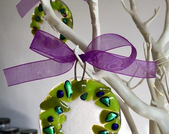 Fused glass christmas decoration. Fused glass christmas wreath decoration