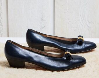 90s Salvatore Ferragamo Navy Blue Leather Pump • 9.5