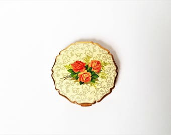 Stratton Vintage Powder Compact, Scalloped Edge Gold Tone Cosmetic Case, Red Pink Roses, Flowers Pattern, 1930s