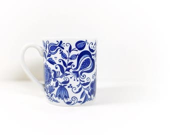 Vintage Blue and White Ceramic Porcelain Mug, Blue Onion China Mug, Favorite Coffee Tea Mug, Blue and White, Cottage Country Farmhouse Style