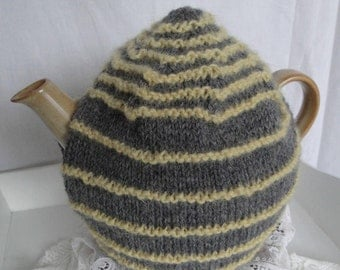 grey wool teacosy, stripy teapot cover, gray yellow tea cozy, 6-cup teapot cosy, wool knit tea cosy, modern design cosy, housewarming gift