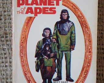 Escape from the Planet of the Apes. Award Books Paperback book by Jerry Pournelle Book of the film