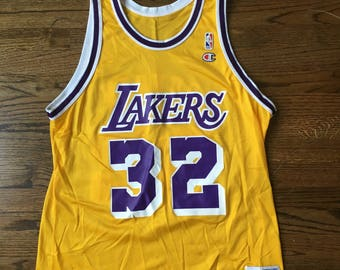 Vintage Champion Magic Johnson Los Angeles Lakers 32 Size L 48 Yellow Gold Purple NBA Basketball