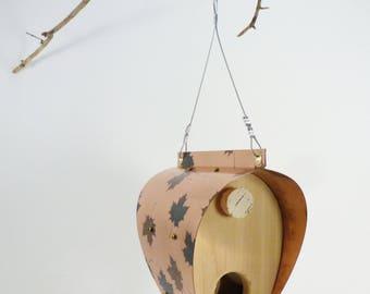 Feuille d'érable en cuivre patiné et mangeoire à oiseaux cèdre - Bonnet