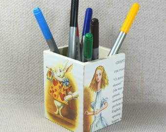 Alice in Wonderland Pencil Pot, Gift for Girls, Pencil Pot, White Rabbit, Mad Hatter, Nursery decor, Make Up Pot, Free Gift Wrapping!