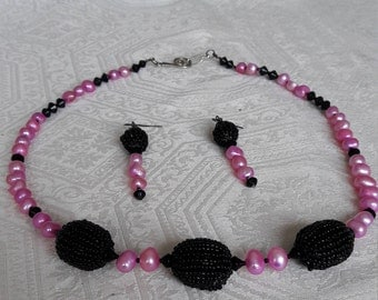 NEW - HOT PINK Pearl Necklace Set - Black Seed Ovals