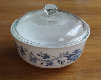 Arcopal France Blue Onion pattern glass bowl with lid