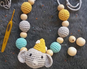 Nursing of crochet and wood necklace handmade for baby and MOM.