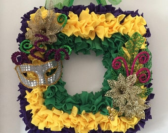 Mardi Gras Wreath, square wreath,  Fat Tuesday, New Orleans, purple, green, yellow, sparkling decoration, party, celebrate, door decor
