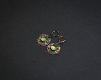 Handmade earrings Copper earrings Womens gift Artisan jewelry Floral jewelry Floral earrings Nature jewelry Plant earrings Peridot earrings