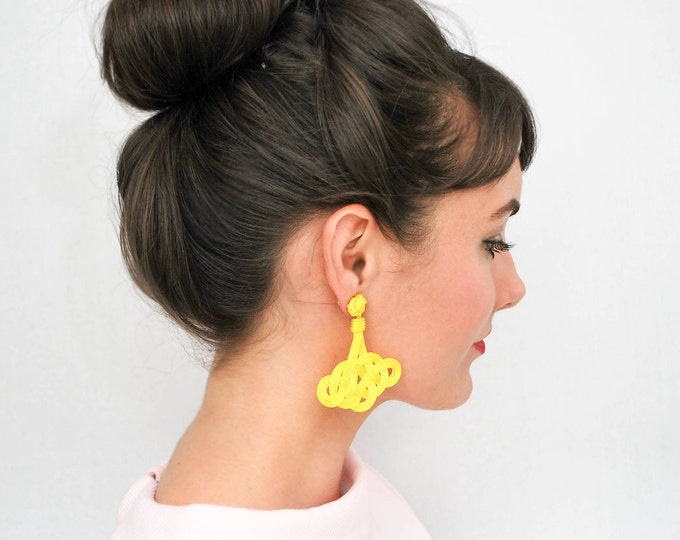 Fisherma's  Knot Earrings, Sz Lrg, Macrame earring, macrame, love knot earring, chinese knot, paracord earring, sailor's knot, nautical knot