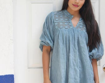 Mexican embroidered Top Blouse//Mexican tunic