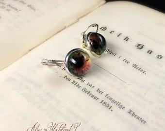 Alice apocalyptic jewelry. Eye earrings.  Artificial eye Halloween earrings. Drop earrings. Handcrafted earrings in metal and glass.