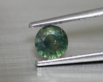 Round green sapphire 4.9 mm