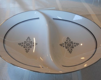Granada divided vegetable dish by Style House China (Black scroll)