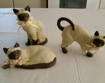 vintage 3 piece ceramic siamese cat set 1960 's figurine set - white with chocolate trim face ears feet tail - andrea by sadek or lefton ?