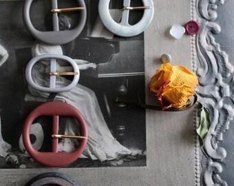 Vintage belt buckles to choose / 1960s / creative notions / haberdashery Vintage / sewing