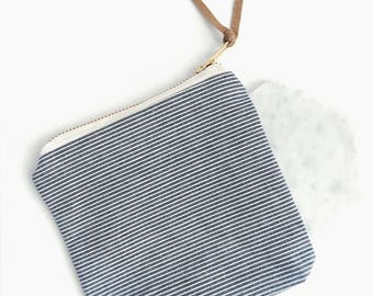 Striped pattern zip bag; pouch bag; zip bag; makeup bag; cosmetic bag; pattern; Japanese pouch bag; striped design;