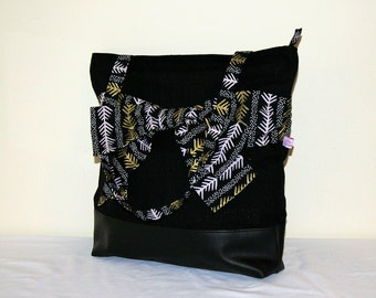 Zipped bow bag