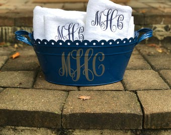 Personalized Wine Bucket Scalloped Tub with Monogrammed Towels