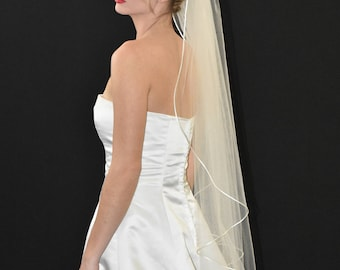 "42"" Fingertip Veil with Satin Cord Edge"