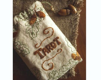Druid Tarot Bag, Tarot Deck Bag, Tarot Cloth Accessory, Tarot Card Bag, Tarot Box, Oak Acorn Tarot Bag, Pouch Tarot Case, Wiccan Altar Kit