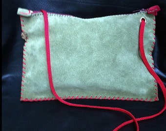 Small shoulder bag in suede leather, khaki and red
