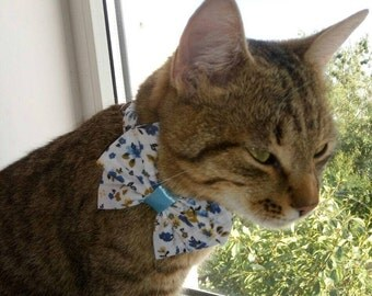 Cat collar with bow tie - bow ties for cats - cotton bow tie for cats - cute floral bow tie for cat